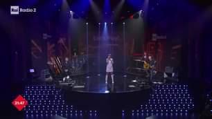 Tu chiamale se vuoi emozioni Alessandra Amoroso LIVE sul palco di #RaiRadio2 ON AIR fino…