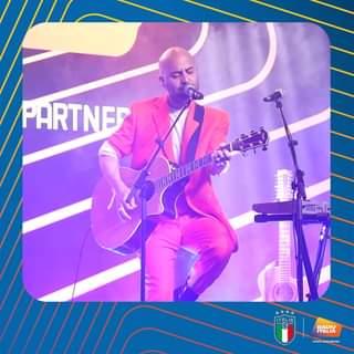 I Negramaro hanno aperto i Radio Italia Live Speciale Euro 2020 ed è stato bellissimo! #…