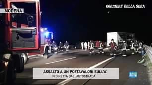Modena, assalto a un portavalori sull'A1 tra Modena e Bologna. Le immagini in diretta dall…