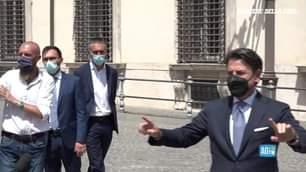 L'incontro a Palazzo Chigi tra il premier Draghi e Giuseppe Conte