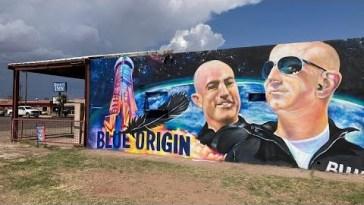 Spazio: completato con successo il primo volo Blue Origin, a bordo anche Jeff Bezos