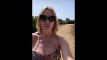 Stefania Orlando in vacanza fa un appello aiutiamo la Sardegna in difficoltà #Stefania orlando