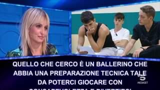 Nello speciale di domenica la maestra Veronica Peparini ha chiesto del tempo per decidere …