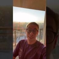 """Max Felicitas mostra la sua nuova casa: """"Domino il tramonto di Milano"""""""