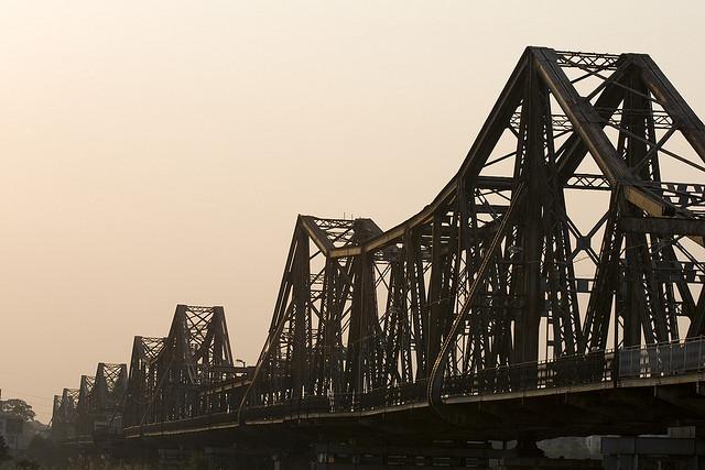 Cầu Long Biên ngày nay