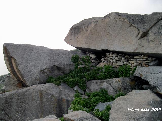 Lahesh Cave