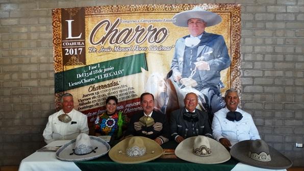 Los directivos de la Unión de Asociaciones Charros del Estado de Coahuila realizaron la presentación del Campeonato Estatal.