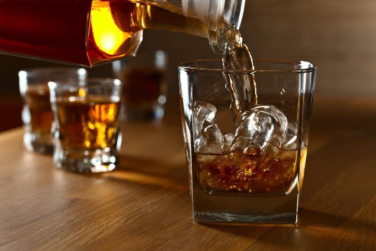 Lancer une marque de spiritueux sans distillerie