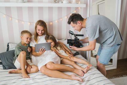Combien d'argent gagnent les Youtubeurs ? Comment réussir comme eux?