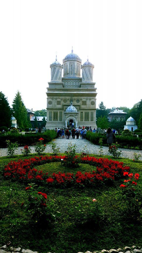 Manastirea Argesului si parcul ei