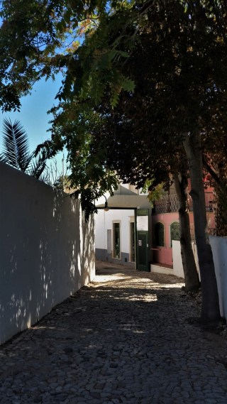 Faro inner city path