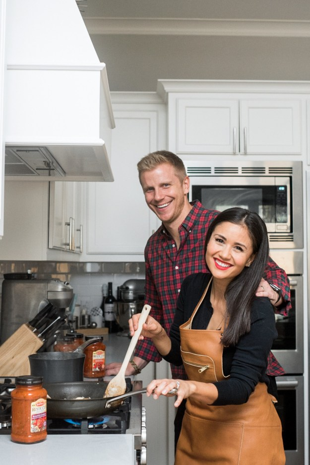 "Sean and Catherine Lowe of ""The Bachelor"" bring Tuscan flavor to life at home with their favorite pantry staples, the new line of Rustic Cut Pasta Sauces from Bertolli. (PRNewsfoto/Mizkan America, Inc.)"