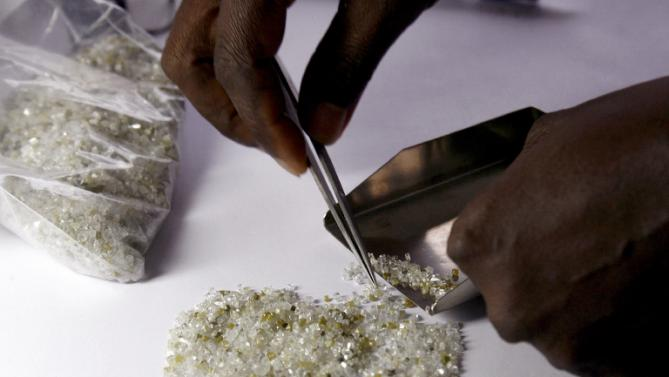 Angola Aims To Boost Diamond Cutting Capacities