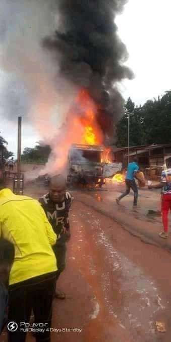 IPOB: Sit-At-Home Enforcers In Enugu Burn Down Trailer Loaded With Goods (Photos)