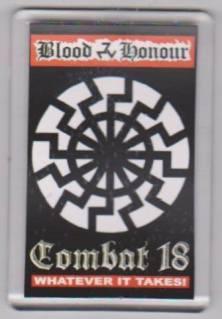 Azovin hihatunnuksessa esiintyvä saksalaisnatsien käyttämä Musta aurinko, tässä uusnatsiryhmä Blood & Honourin tunnuksena.