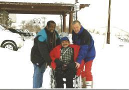 Jan Troost samen met de Kamerleden Hubert Fermina D66 en Jan Rijpstra VVD, in Nagano