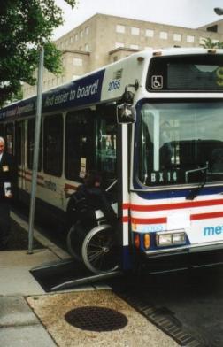 New York onderzoek toegankelijkheid bussen door Jan Troost