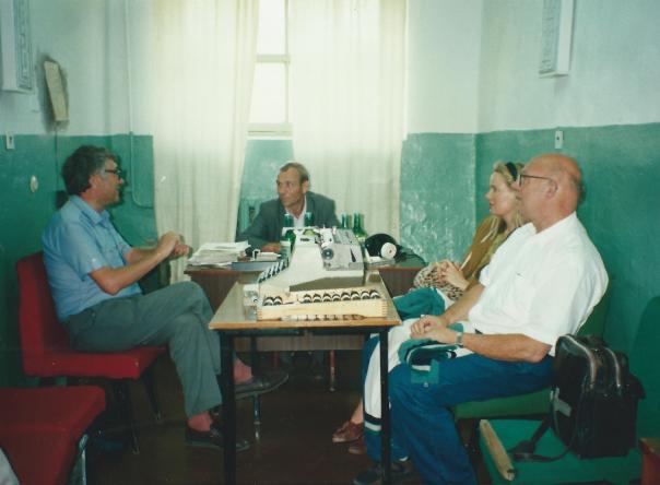foto mafia baas in gezelschap van onze delegatie.