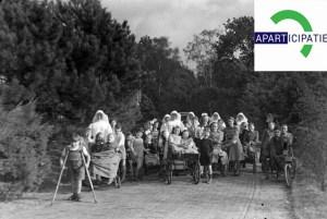 Een groep mensen van de St. Maartenskliniek, 1949  visite kaartje