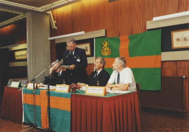 Persconferentie KNBLO Vlnr-marsleider Chris Bos-perschef-Dick-Lammertsvan Bueren KNBLO-voorzitter MaartenSchakel