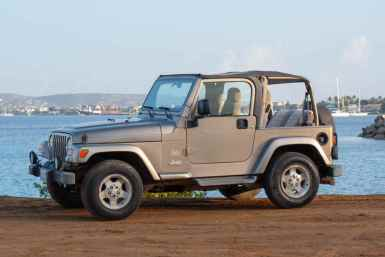 Tropical car rental Bonaire - Jeep Wrangler for rent