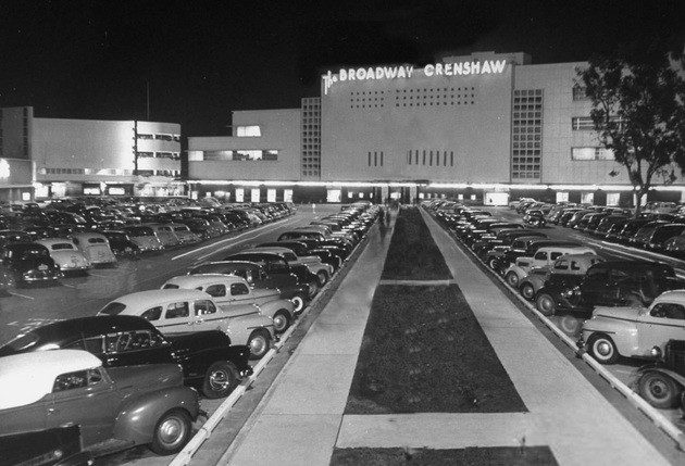 Broadway-Crenshaw Center in 1947. Photo by Loomis Dean.