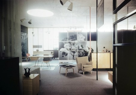 The Herman Miller showroom, 1949, designed by Charles Eames. Photo courtesy of the USC Libraries – Architectural Teaching Slide Collection.