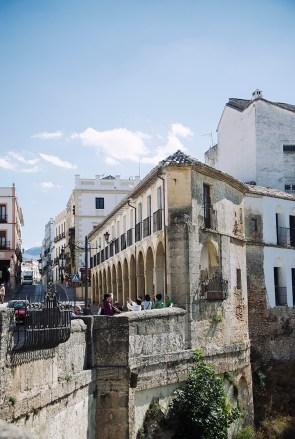 ...wygląda jak tradycyjne andaluzyjskie miasteczko.