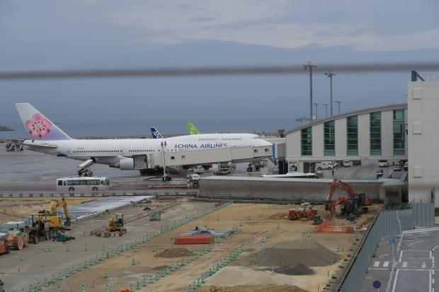 【☔飛機人風格☔】去沖繩沒有坐到747也要看一下747. #Flystory410   tropria @ airport