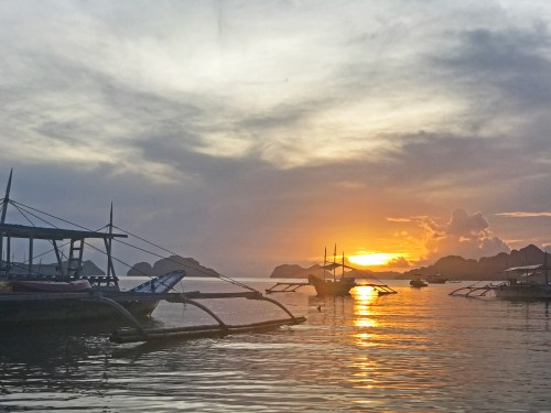 la plage el nido sunset palawan philippines