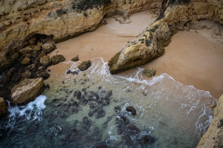 praia de albandeira algarve