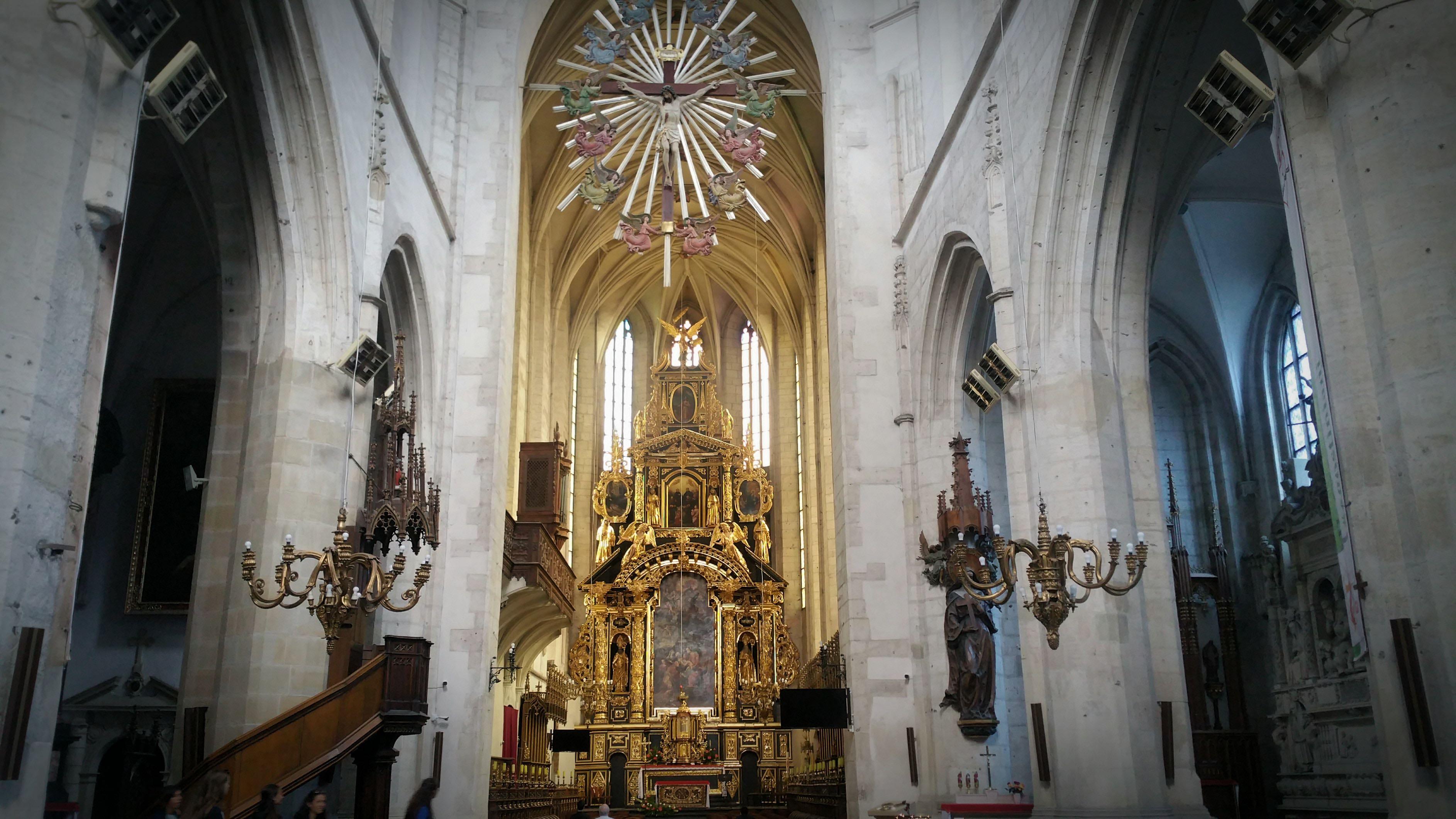 https://i2.wp.com/troubadour.francis.edu/wp-content/uploads/2016/07/Blog-8-fraley-church-interior.jpg