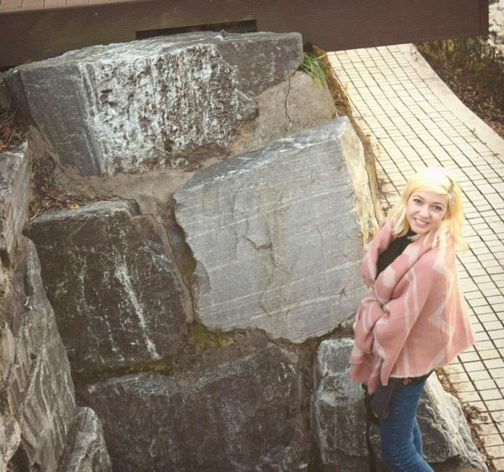 look pink shawl 036