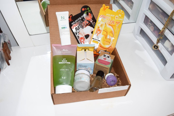 Unboxing holiday Bomibox
