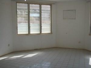 Downstairs solarium apartment