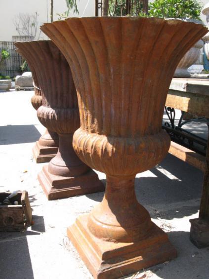 rusty urns bigdaddys