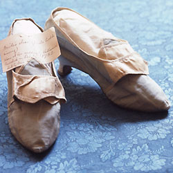 shoes silk moire 1782 brides shoe Ginsburg