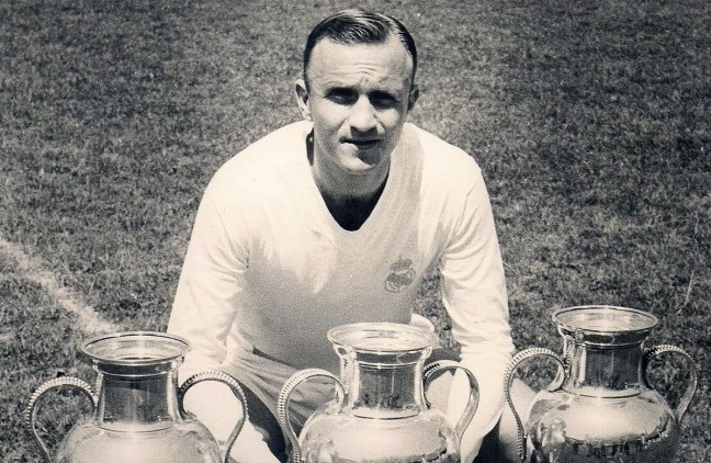 Real Madrid All Time Greatest XI - Jose Santamaria