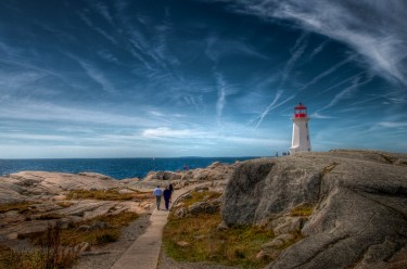 To thPeggy's Covee Lighthouse - Peggy's Cove