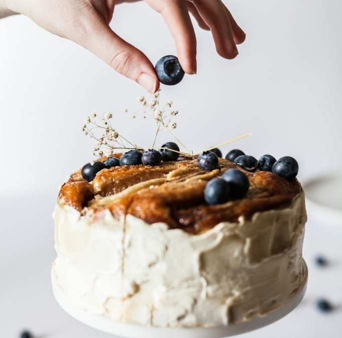 5 Reasons to Use Online Cake Delivery Services