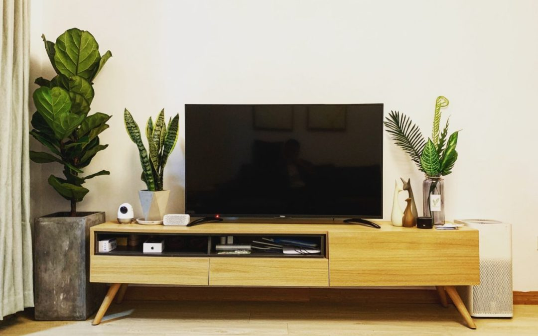 7 Tricks to Decorate Around Your Apartment's flat-screen TV
