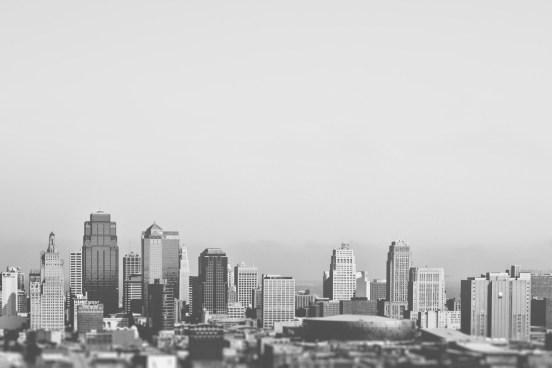 black-and-white-city-skyline-2255