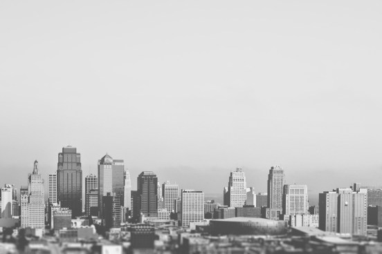 black-and-white-city-skyline-2255