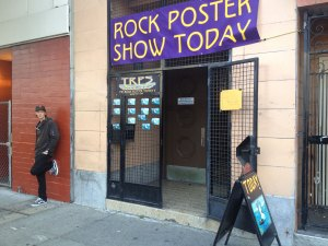 Artist Chris Shaw at Entrance