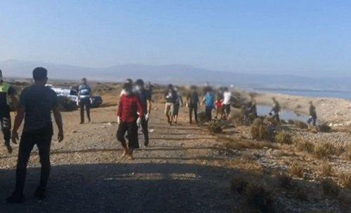 В бухте Гюзельюрта обнаружены 30 сирийских беженцев