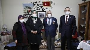 Επίσκεψη από τον Υπουργό Selçuk στην οικογένεια μαρτύρων και βετεράνου της Κύπρου