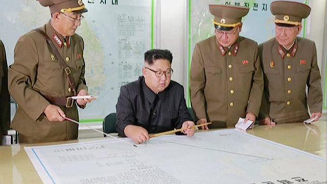 Προειδοποιεί ο Κιμ Γιονγκ Ουν τον Τραμπ ότι «θα πληρώσει ακριβά» για τις απειλές του