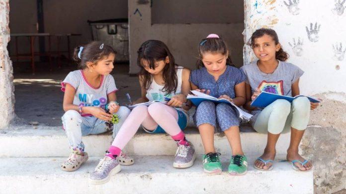 ΕΚ: 500 εκατ. € για την εκπαίδευση σε παιδιά πρόσφυγες στην Τουρκία