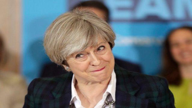 Μέι: Μια πιθανή καθυστέρηση του Brexit θα έδινε τον έλεγχο στην ΕΕ