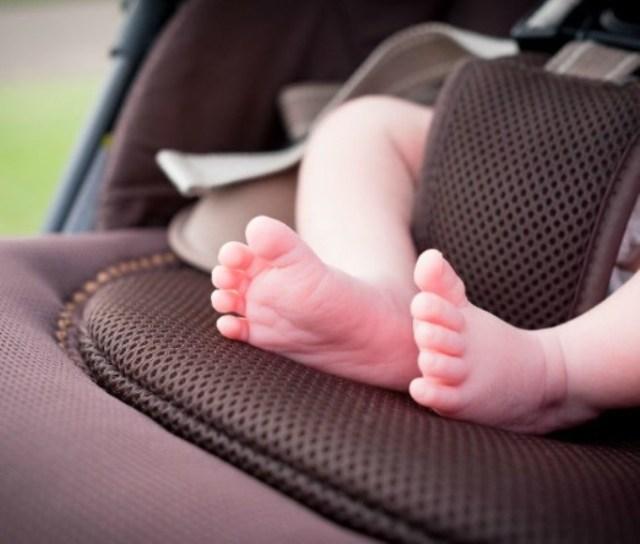 Σέρρες: Αυτοκίνητο παρέσυρε καρότσι με μωρό πάνω σε διάβαση